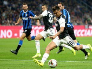 Босът на италианския футбол ще моли УЕФА и ФИФА да доиграят сезона през юли и август