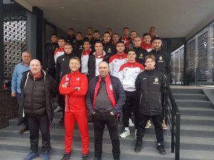 В Петрич посрещнаха футболистите на Беласица като герои(ВИДЕО)